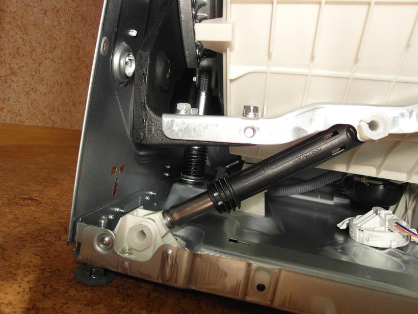 Замена амортизатора стиральной машины bosch ремонт стиральных машин bosch Студенческая